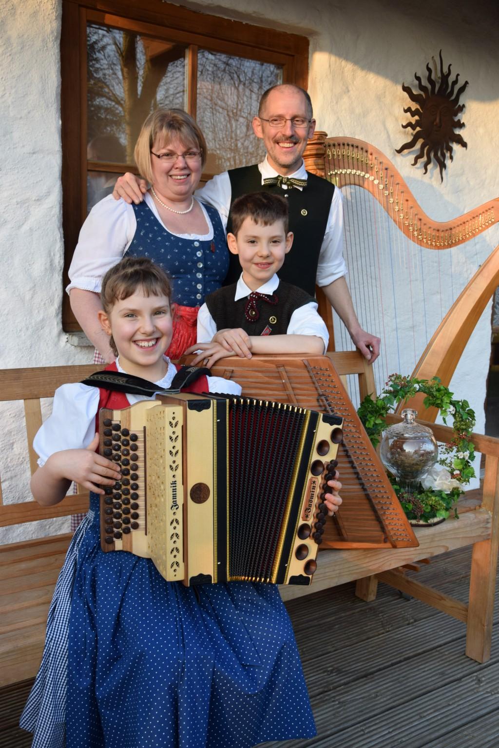 Bild von Gruppe Familienmusik/Harfenduo Weiderer