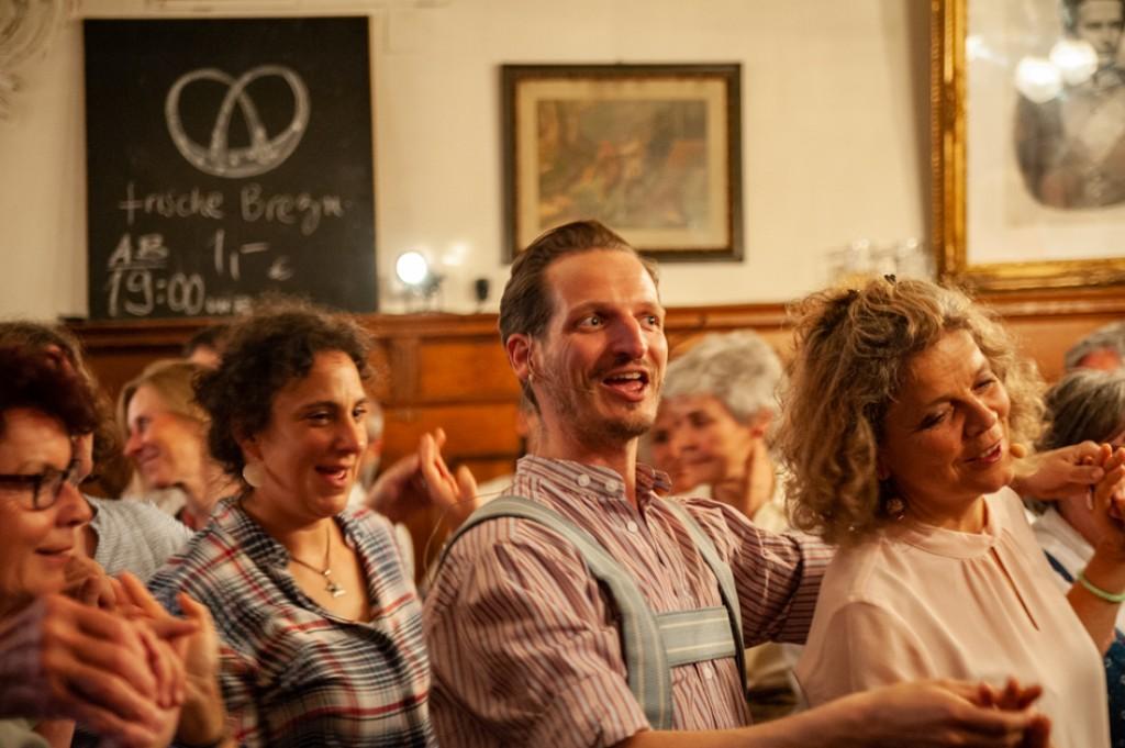 Bild von Gruppe JodelTanz - freestyle bairisch tanzen und jodeln
