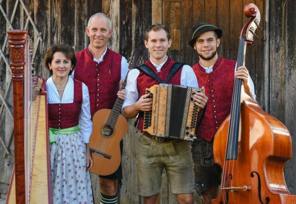 Bild von Gruppe Familienmusik Servi